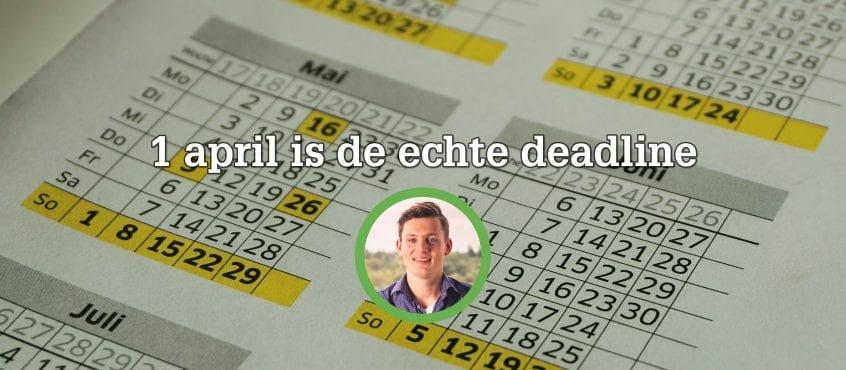 kalender op achtergrond met auteur op voorgrond